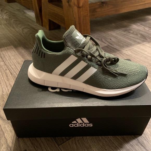 Adidas Swift Run Olive Green Sneakers